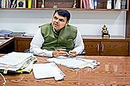 Devendra Fadnavis, Arjun Ram Meghwal review progress in NSEL scam probe
