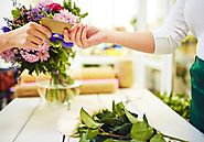 Wonderful Advantages Of Online Flower and Sweets Shopping