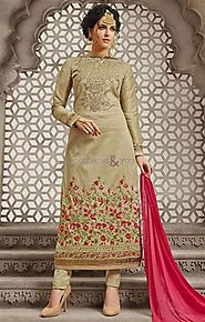 Fine-Looking Karachi Dress Pattern For Ceremonial Wear At Best Price