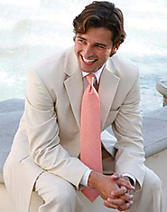 Choose The Best Wedding Suit For Men