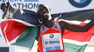 News in Hindi: Kipsang smashes marathon record in Berlin win