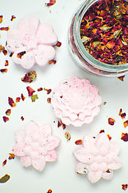 DIY Floral Bath Bombs - Club Crafted