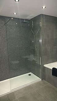 Plain glass shower doors