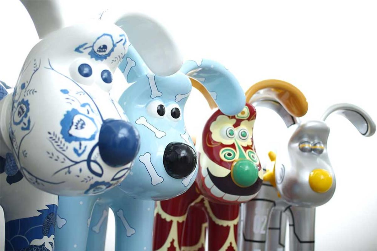 Headline for Charity fundraising from fibreglass animal figures