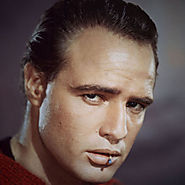 Marlon Brando won 2 awards and 8 nominees