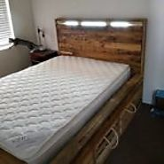 Recycled Pallets Bed with Headboard Light
