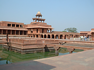 Plan a Weekend Getaway to Agra