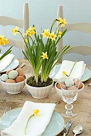 Spring & Easter Centerpieces | Yellow Daffodils & Blue Eggs