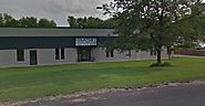 Front Auto Shop Exterior- Courtney Truck Service in Eden Prairie, MN