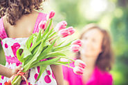 How to Celebrate Mother's Day with your Aging Mom