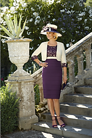 How Charisma Fashions can help you choose the perfect Mother of the Bride Outfit