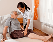 5 SIGNS THAT TELL YOUR SENIORS NEED A HOME CARE AIDE | Home With Help