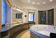 These Are the Spa Bathroom Features You Should Ask About in Luxury Homes for Sale