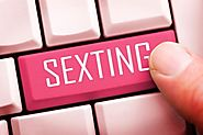 Tips to Follow for Effortless Sexting With Your Partner