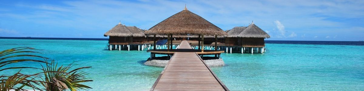 Headline for 10 Maldives Islands That Are Perfect for a Honeymoon – The Most Romantic Atolls