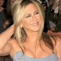 Jennifer Aniston Jokes About Being Unmarried And Childless