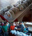 Vice Pres. Binay's name printed on plastic bags with relief goods, photo spreads online
