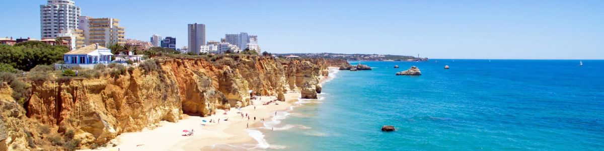 Headline for 5 Famous Tourist Attractions in Algarve – Highlights of a Magical Region
