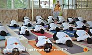 How to Select Yoga Teacher Training Program in Rishikesh? - Spiritual Punditz