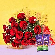 Buy/Send Red Blooms With Chocolaty Treats Online Same Day Delivery - OyeGifts.com