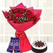 Buy/Send 30-Red Blooms With Choco Treats Online - YuvaFlowers.com