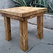 16 Small Pallet Tables That Are Easy To Make And Sale - Sensod - Create. Connect. Brand.