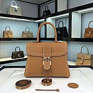 The luxury bag shop become attraction place. – SLAYLEBRITY
