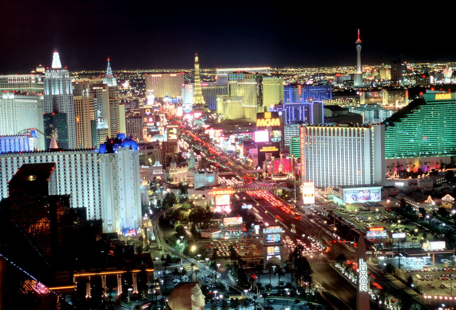 Headline for Best Hotels to Stay at In Vegas 4 Business Travelers