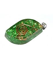 PERIDOTE EYE ORGONE PENDANTS