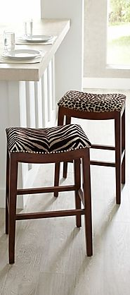 Top 10 Non-Tacky Ways to Use Animal Print Decor