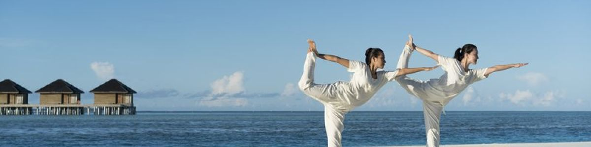 Headline for List of Benefits of Beach Yoga – For a Healthy Mind and Body