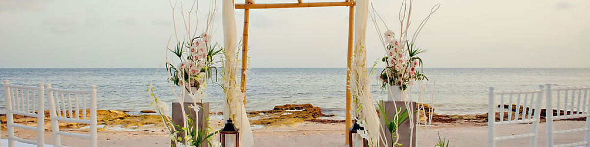 Headline for 7 Things to know before planning a beach wedding – Make your big day unforgettable with a beach wedding