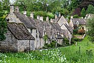 Bibury - The Cotswolds - Van Marle Chauffeurs