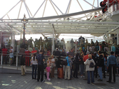 Overlooking London with your family from atop the London Eye | Family Vacation Plans