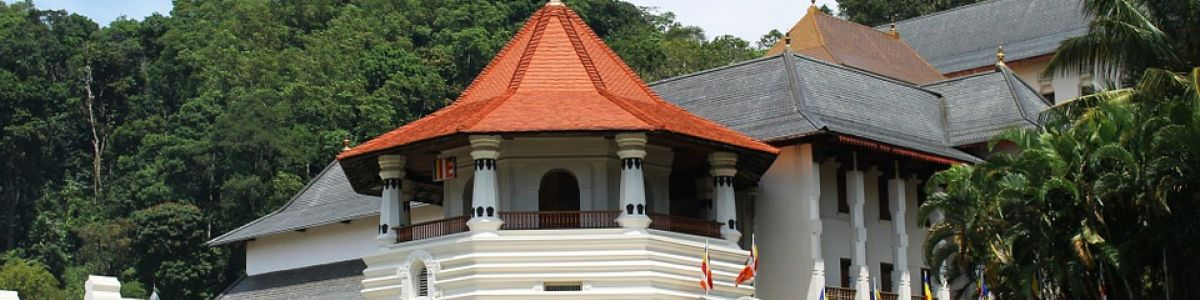 Headline for Why visit Kandy – A Cultural and historic landmark
