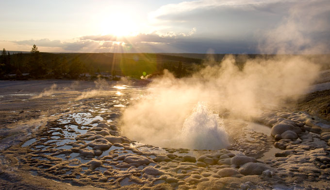 Headline for List of things to do in Yellowstone