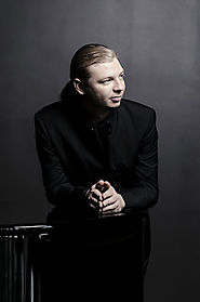 """Technically flawless and musically imperious"": praise for Denis Kozhukhin with the Philharmonia - Denis Kozhukhin - ..."