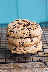 Thick & Chewy Peanut Butter Chocolate Chip Cookies | The Kitchen Magpie