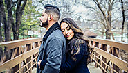 You can't miss these best poses for your engagement photos - Happy Wedding App