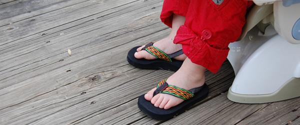 Headline for Best Flip Flops for Toddler Girls 2014 - Top 5 and Reviews
