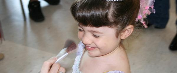 Headline for Mini Play Makeup Reviews - Pretend Play Makeup