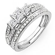 1.00 Carat (ctw) 14k Gold Princess Cut 3 Stone Diamond Ladies Engagement Bridal Ring Set Matching Band 1 CT