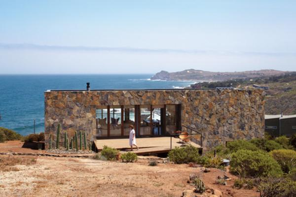 10 Modern Homes With Views To Die For Destination Luxury - Modern-okitu-house-by-pete-bossley